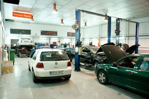 Elevadores del taller especializado en Audi Seat Skoda Volkswagen en Rivas Vacia-Madrid